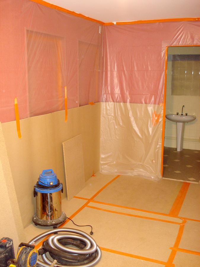salle de bains avant les travaux suite marin plomberie. Black Bedroom Furniture Sets. Home Design Ideas