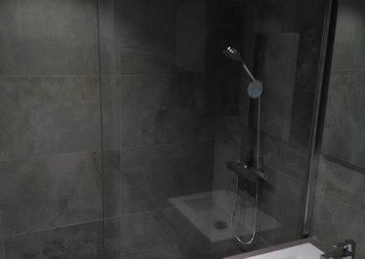 Salle de bains après les travaux, suite