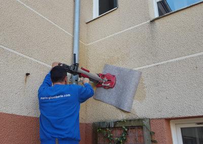Carrotage avec protection facade pour installation climatisation - Entreprise Marin